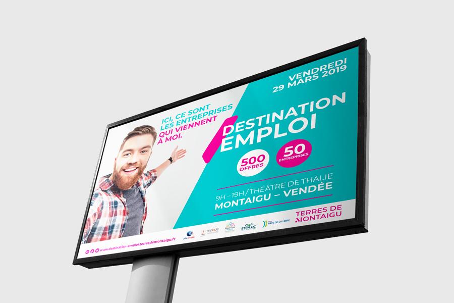 TERRES-DE-MONTAIGU-salon-destination-emploi-site-signaletique-bache-realisation-Comwell